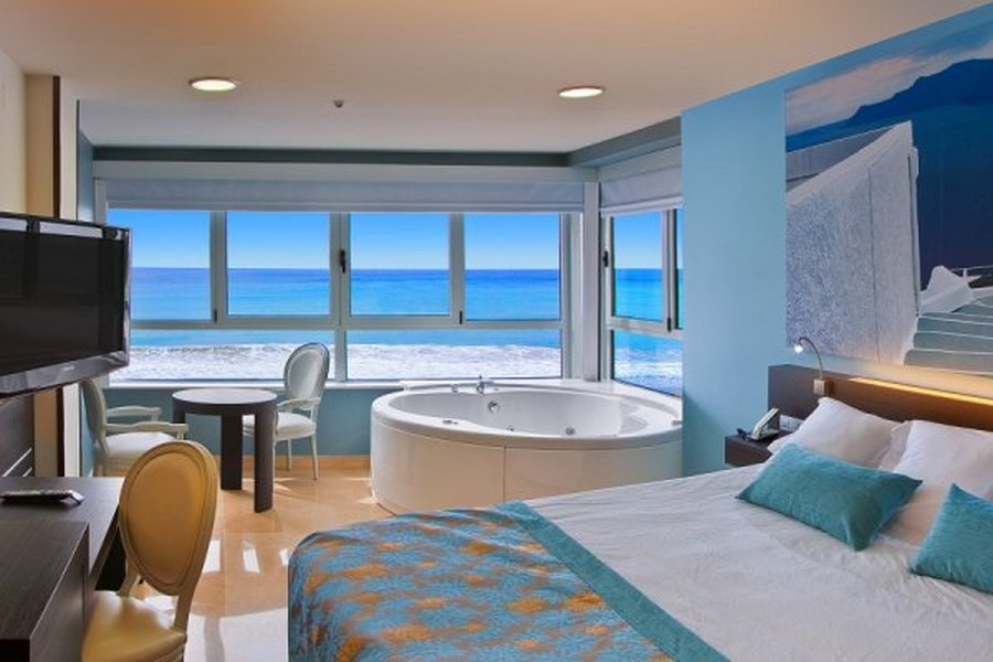 Jacuzzi, Sea View and the best Price... Villa del Mar Отель Бенидорме